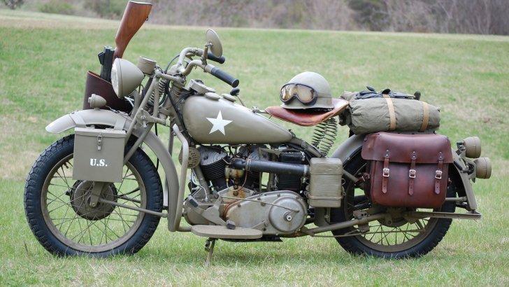 us-army-military-bike_800480733