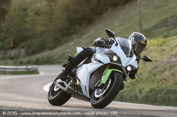 motos-electriques-energica-mode-ego-action